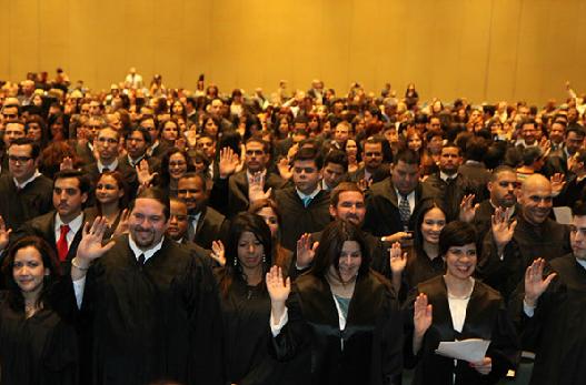 Juramentación de nuevos abogados y abogadas
