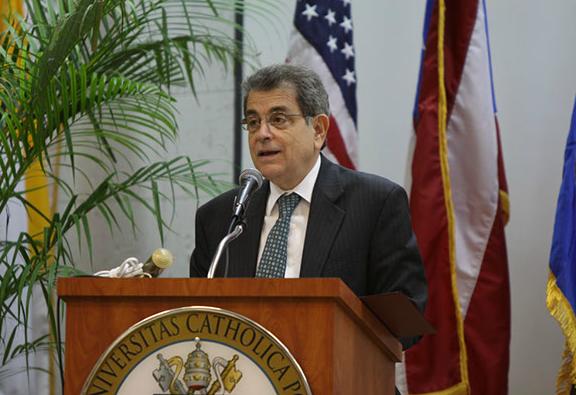 Hernández Denton participa en conversatorio sobre el Bicentenario de la Constitución de Cádiz