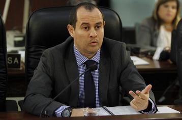 Lcdo. Jesús González Cruz, Secretario de Corrección