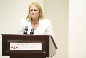 La Procuradora de las Mujeres, licenciada Wanda Vázquez Garced, enfatizó en la sensibilidad con que se dede atender a las víctimas de violencia de género.