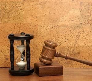 Prórroga del Tribunal Supremo para presentar informe judicial en caso de Retiro para Maestros