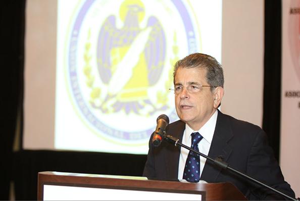 El Juez Presidente del Tribunal Supremo, Hon. Federico Hernández Denton, participó hoy en la apertura de los trabajos de la Primera Sesión Plenaria del 2013 de la Comisión de Asuntos Americanos de la Unión Internacional del Notariado, que sesiona en Puerto Rico.