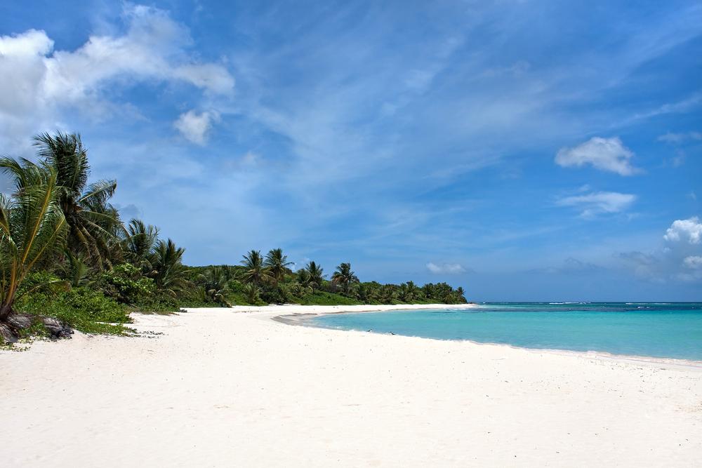 Ni cigarrillos ni botellas plásticas en playas de Puerto Rico