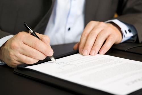 Diversas medidas se convierten en ley tras firma del gobernador