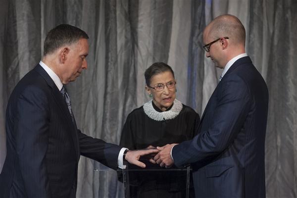 Jueza del Tribunal Supremo ofició su primera boda gay