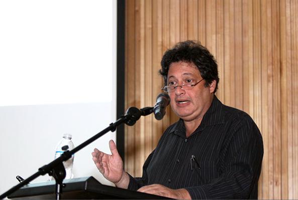 El Arquitecto Andrés Mignucci ofreció al público una lección magistral.
