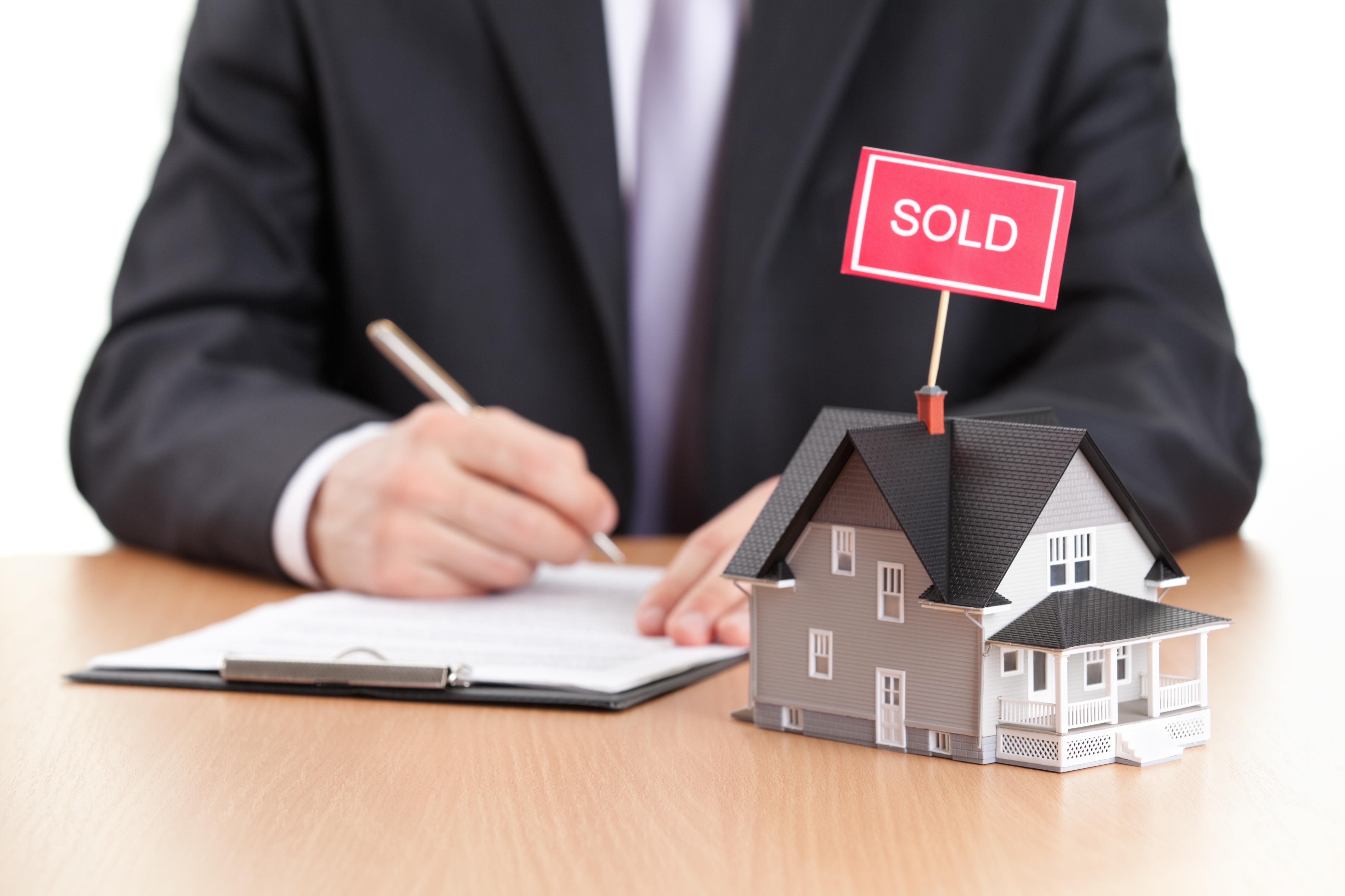 Presentan proyecto para regular la práctica de bienes raíces – Microjuris - P...