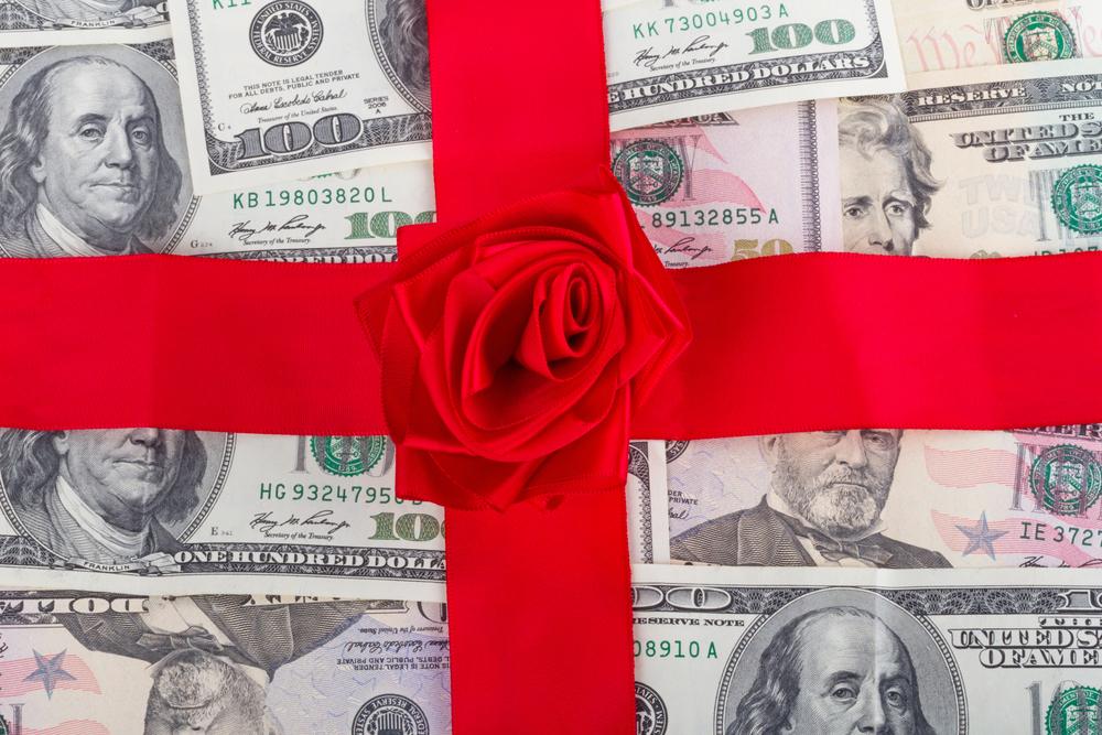 Aviso a patronos que interesan solicitar exención del pago de bono de Navidad a empleados