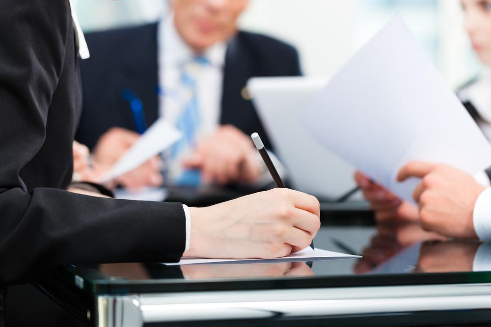 Interpreta el Tribunal Supremo el término confidencial aplicable al privilegio abogado-cliente