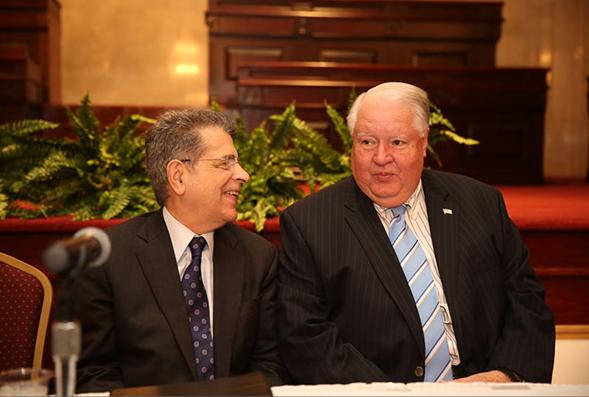 El Noveno Congreso del Consumidor fue dedicado al Juez presidente del Tribunal Supremo, Hon. Federico Hernández Denton y al ex senador Orlando Parga.