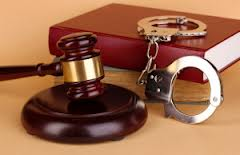 Presentación electrónica de documentos en tribunales en casos de procedimiento criminal