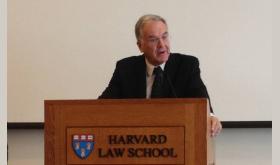 Una constitución al servicio del colonialismo: Efrén Rivera-Ramos habla sobre casos insulares en Harvard