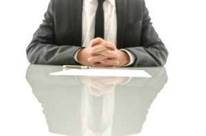 Nuevas reglas para demandas contra empleados de gobierno en su carácter personal