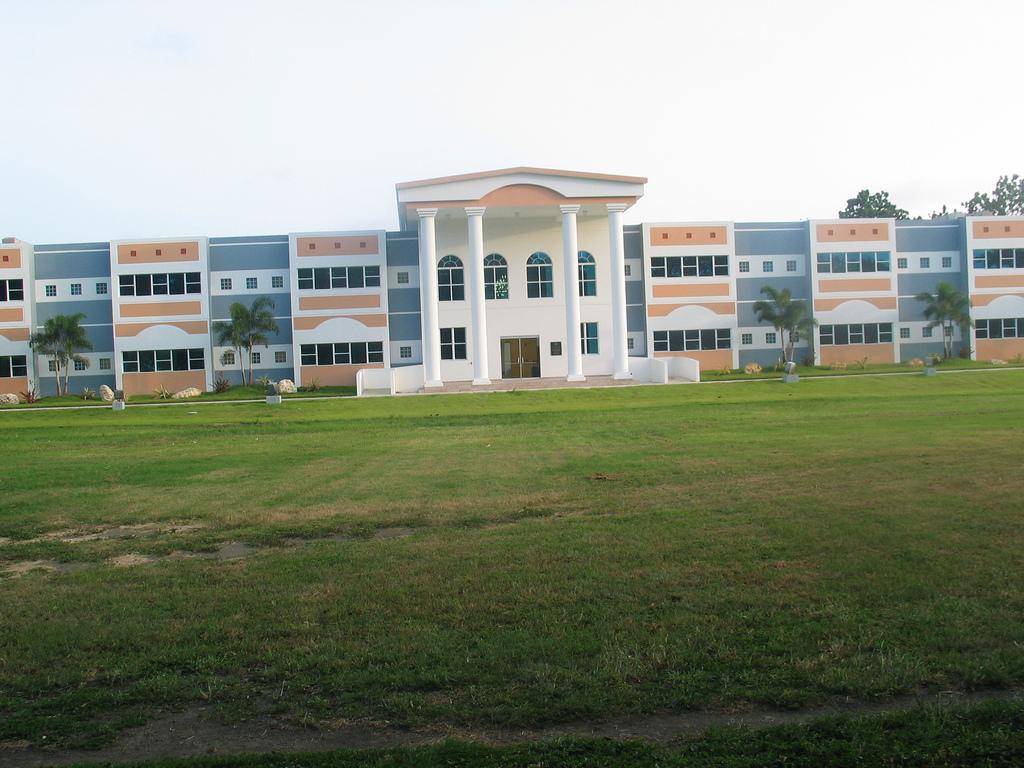 Escuela de Derecho PUCPR
