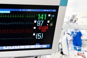 Cernimiento compulsorio para defectos cardíacos congénitos críticos mediante la oximetría de pulso