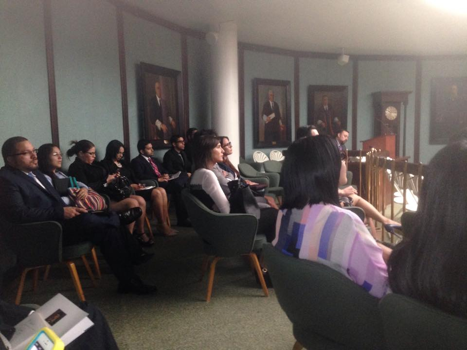 Revista CLAVE y la Revista Jurídica de la Inter Derecho visitan el Tribunal Supremo