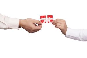 """Aprueban ley para regular venta y uso de """"gift cards"""""""