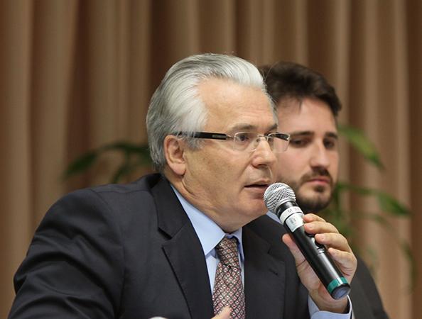 Baltasar Garzón participa en panel de libertad de expresión en la Academia Judicial Puertorriqueña
