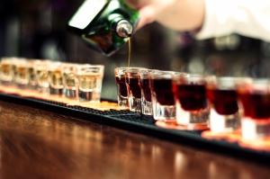 Establecimientos podrían ser demandados por vender bebidas alcohólicas a clientes visiblemente intoxicados