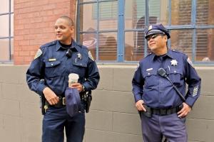 No prospera demanda de policía contra Starbucks por quemadura con café