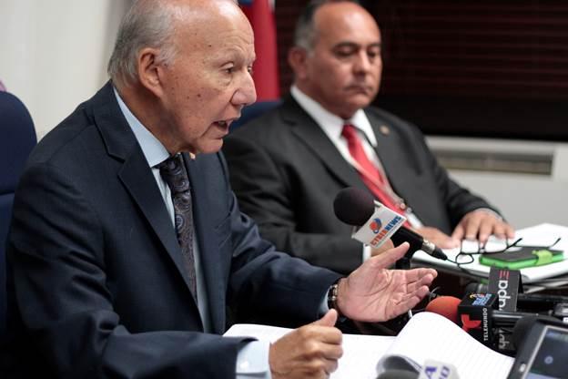 Justicia refiere cuatro fiscales al OPFEI y a la Oficina de Ética Gubernamental
