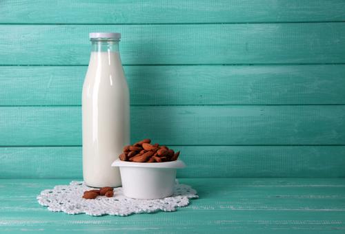Demandan a marca de leche de almendras por publicidad engañosa