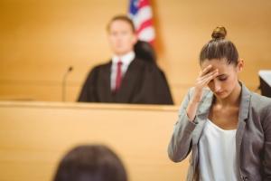 Abogados reclaman acción para evitar alza en costos de casos civiles en tribunales