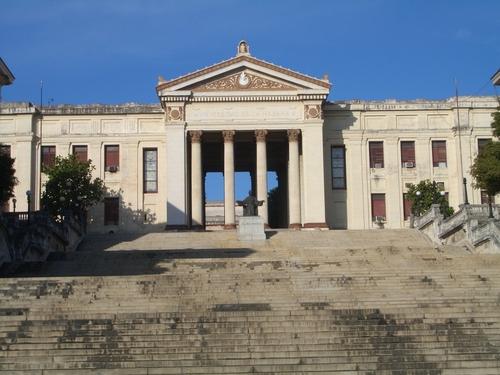 Estudiantes de Derecho participan de programa de estudios en la Universidad de la Habana