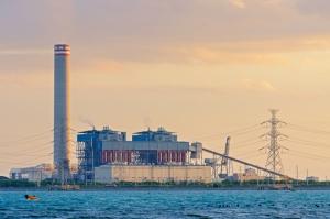 Supremo federal falla contra la EPA en limitar emisiones de plantas de energía