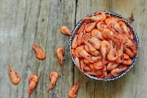 Supremo debe resolver si aplica responsabilidad estricta por producto defectuoso en caso de camarones envenenados