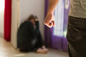Licencia especial para empleados del gobierno en casos de violencia doméstica