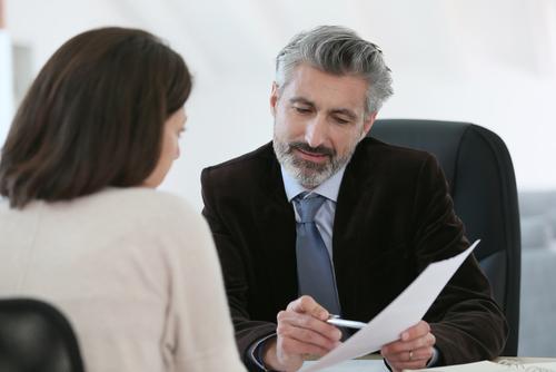 Prestigioso bufete lanza programa pro bono para ayudar a abogados que enfrentan querellas éticas