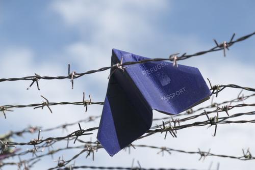 Italia en violación a leyes internacionales por su trato a inmigrantes