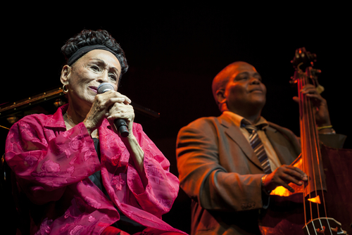Disquera nacional de Cuba firma contrato con Sony Music para impulsar música de Cuba hacia el mundo