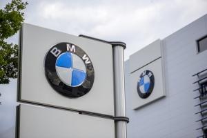 BMW pagará 1.6 millones y ofrecerá trabajos como parte de transacción en caso por discrimen racial