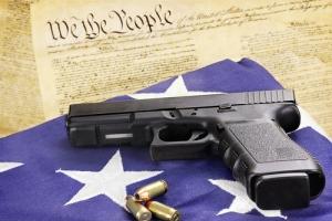 Columnista en el New Yorker: La Segunda Enmienda no debe ser impedimento para controlar las armas