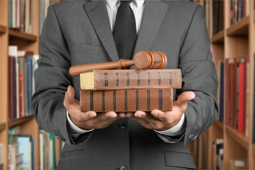 Se comparten visiones de procesos administrativos y analizan enmiendas a Ley de Procedimiento Administrativo Uniforme (LPAU)