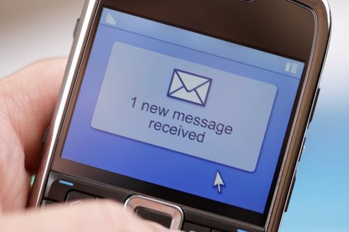 Abogados en Florida pueden enviar mensajes de texto a clientes prospecto, según Colegio de Abogados de Florida