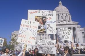 Supremo federal se pronunciará sobre restricciones en clínicas de aborto