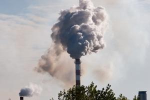 AES Puerto Rico alega ordenanzas que restringen uso de residuos de combustión de carbón violan cláusula de supremacía federal y ley local