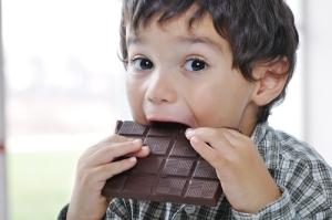Demandan a compañías de chocolate por su relación esclavitud infantil