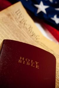Querella contra la Policía de Puerto Rico en la Comisión de Derechos Civiles por promover la religión