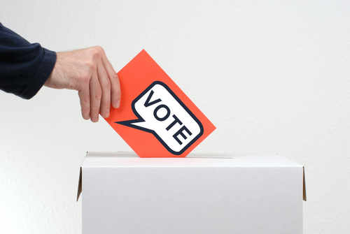 Prohibida bajo ley federal remoción de ciudadanos del registro de votantes por no votar en unas elecciones generales