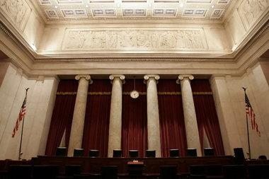 Tribunal Supremo de Estados Unidos revierte decisión en contra de la adopción por homosexuales
