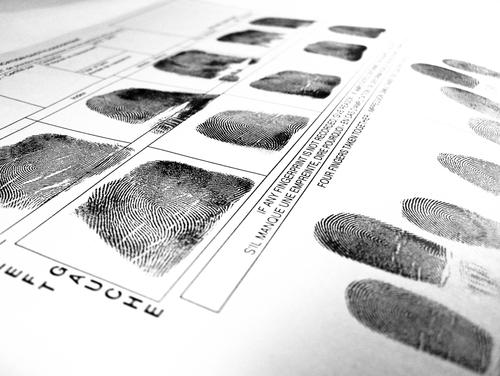 Japón reconoce el derecho al olvido de ofensor sexual infantil convicto