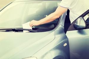 Firmada la ley de amnistía de multas de tránsito con descuento de 60%