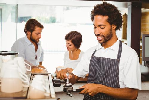Listo informe de proyecto que enmienda Ley de Salario Mínimo a beneficio de empleados a tiempo parcial