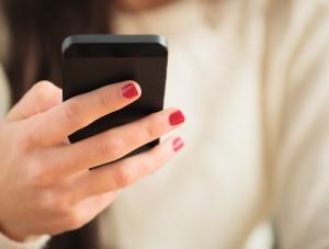 Transferencia de cuentas de celular sin costo para victimas de violencia doméstica con orden de protección