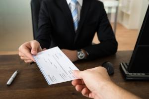 Proyecto para regular salario anual de jefes de agencias y corporaciones públicas, entre otros