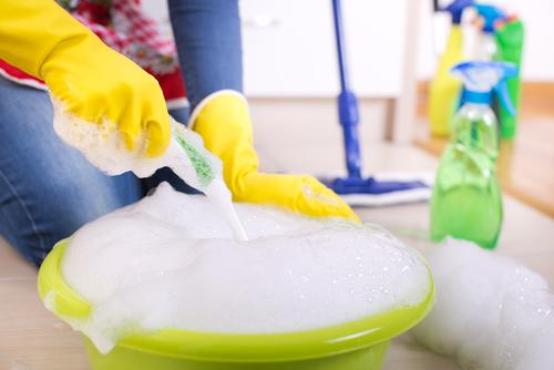 Cámara aprueba proyecto que otorgaría protección laboral a empleados y empleadas domésticas